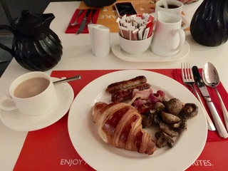 パークインホテルにて朝食.jpg